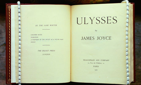 dead james joyce critical essay The ´odour of chrysanthemums´ from d h lawrence and ´the dead´ from  james joyce are both short stories written at about the same period of time, the  first.
